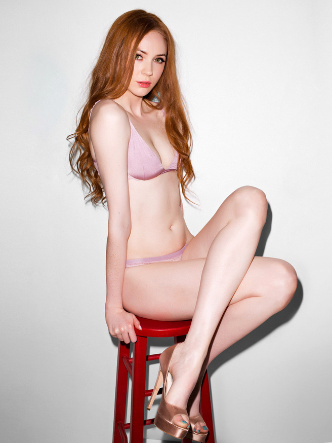 Josephine Gillan legs | Naked body parts of celebrities