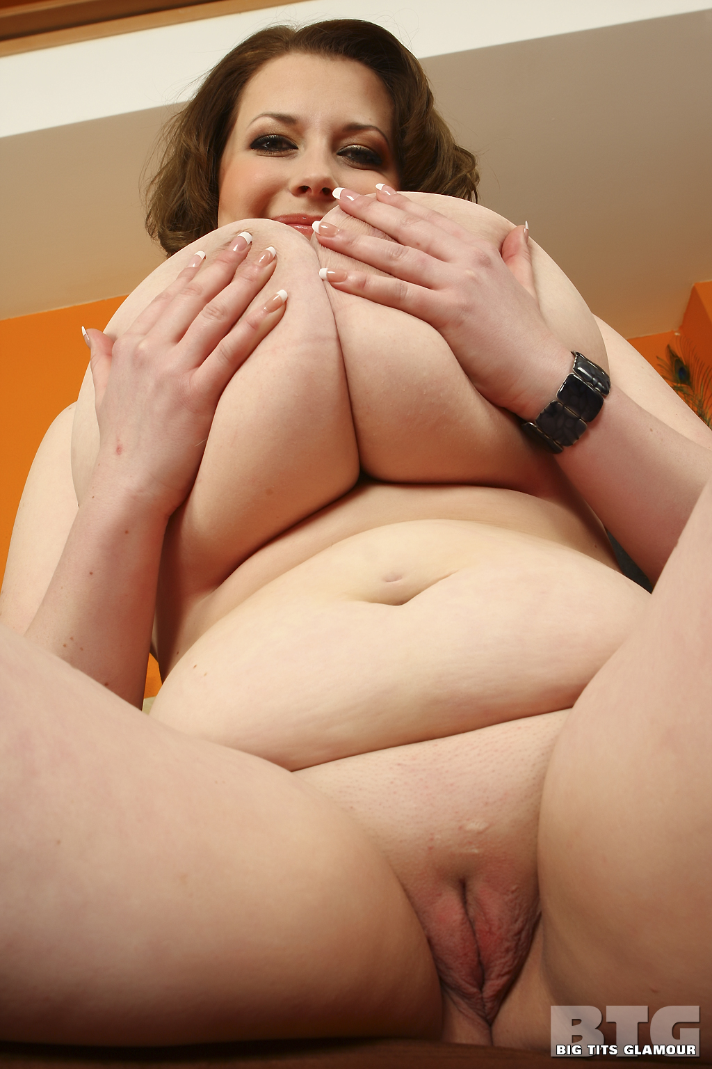 Porn galleries of big young perky tits pussy