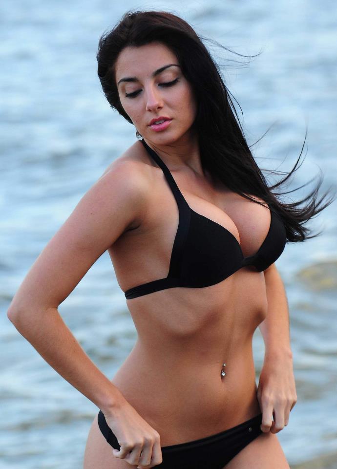 Laura Giraudi legs | Naked body parts of celebrities