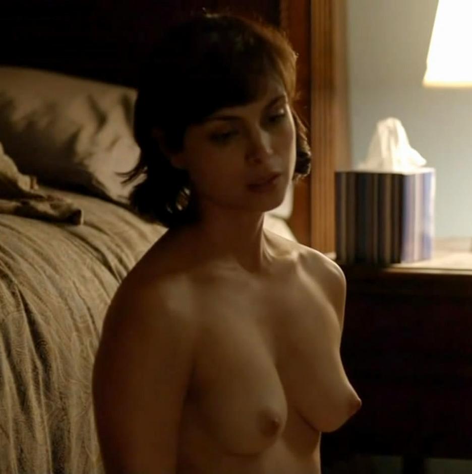 morena baccarin tits