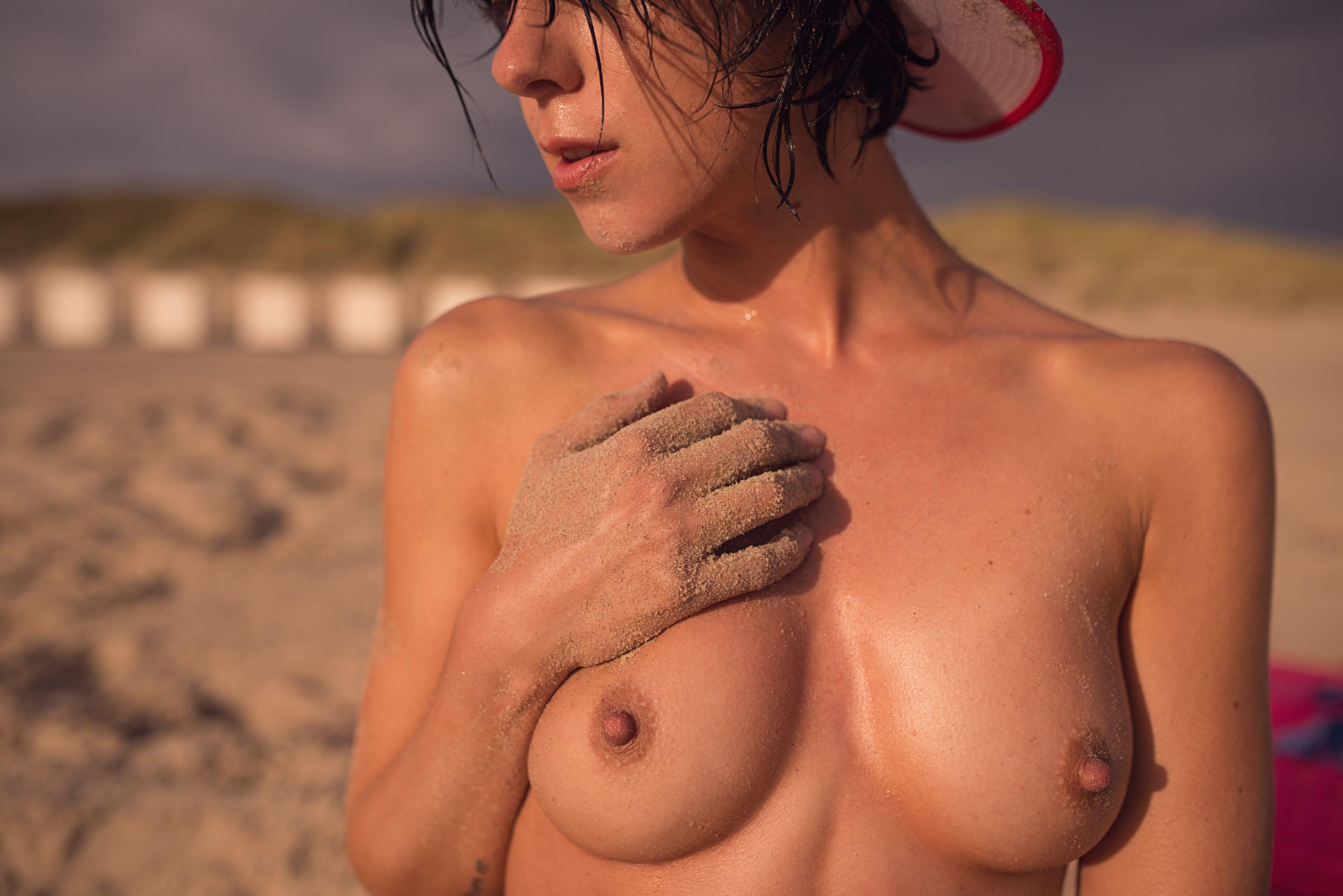 Gaïa nackt Matisse Sigrid Bernson