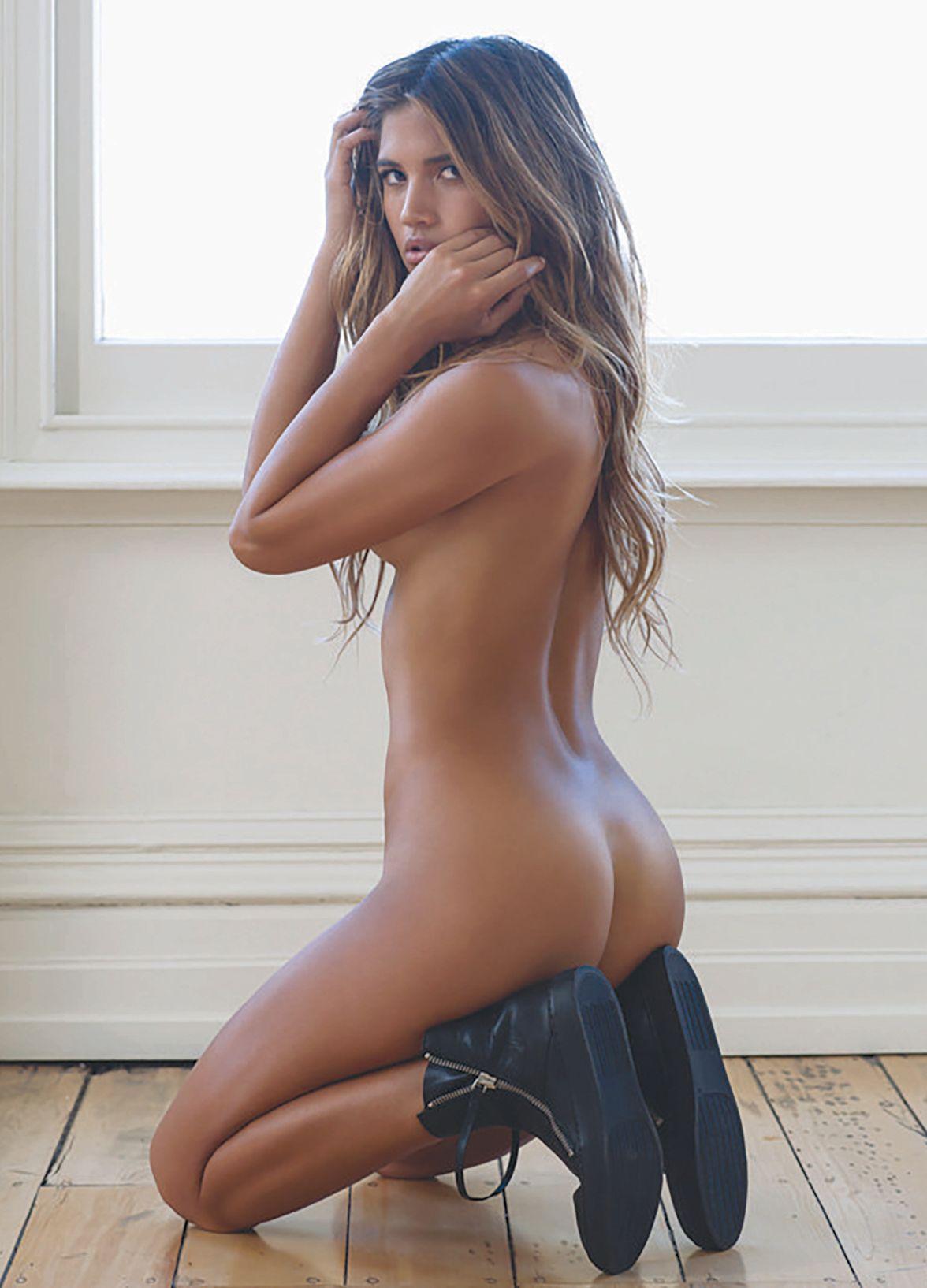 Natalie Alison Nackt