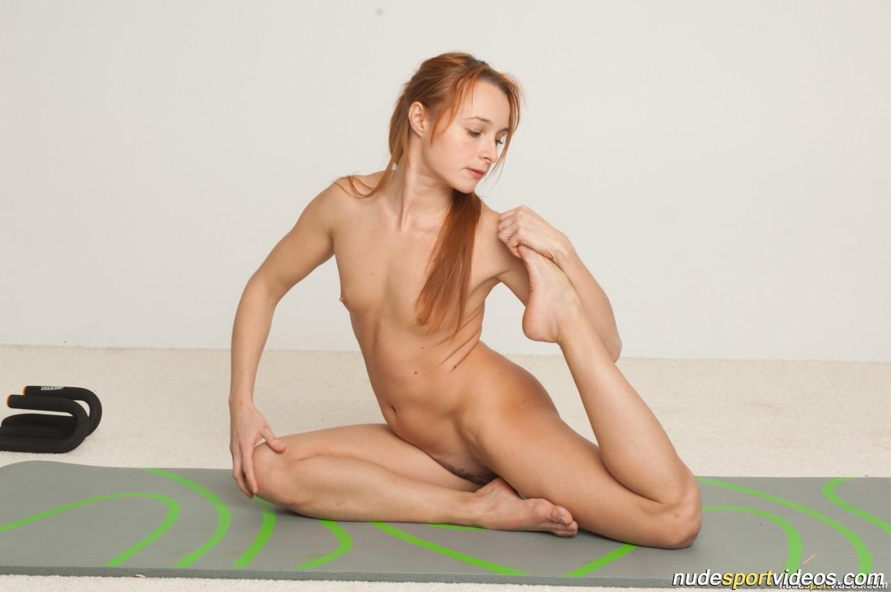 dancing nude gymnastics aerobic fitness