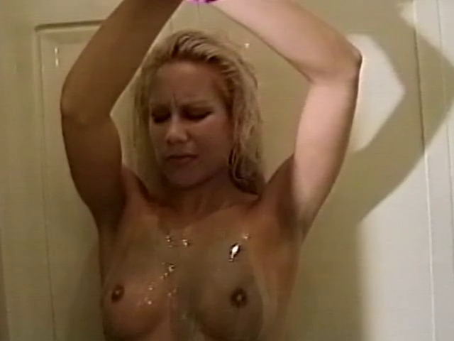 Jennifer lawrence nude pics and oral sex video 8