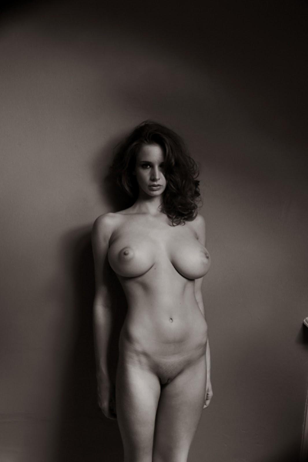 nackt Baker Emily Nathalie Baye