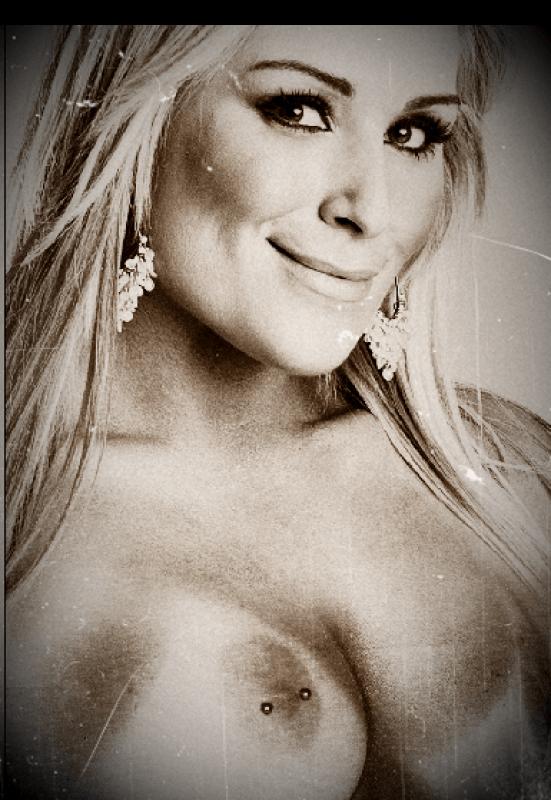 Neidhart nude natalya Natalya Neidhart