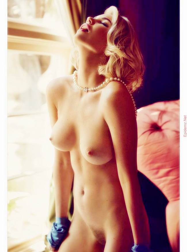 nackt Mortenson Rachel Hot Nude