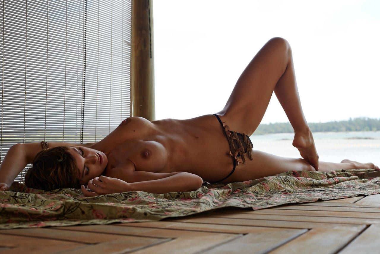 Isabel Brook  nackt