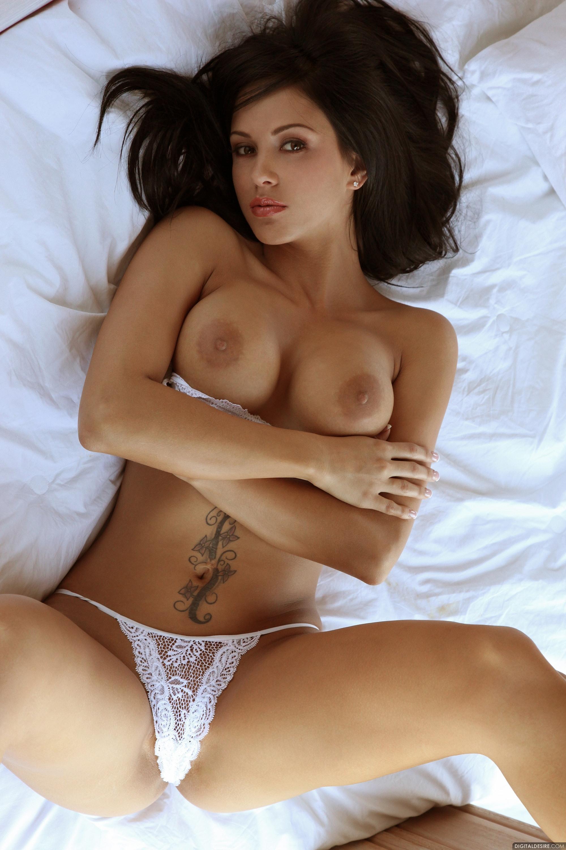 Parnia porsche nude