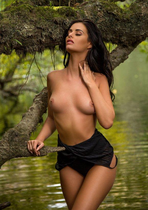 Cook nude jaylene Naked brunette