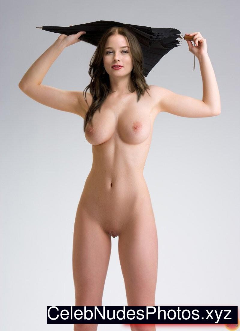 Jessica Nichols  nackt